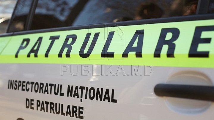 Un motociclist beat şi fără permis de conducere a fost prins în Capitală