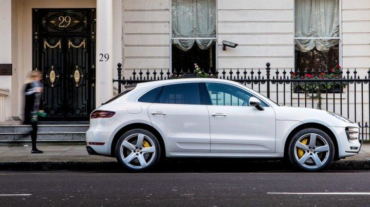 Modele Mercedes și Porsche, interzise în Elveția. Care este motivul