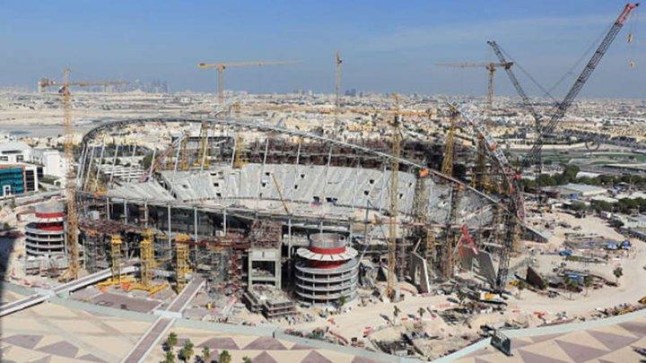 Fotbal: Un muncitor a murit pe un şantier din Qatar, pentru Cupa Mondială din 2022