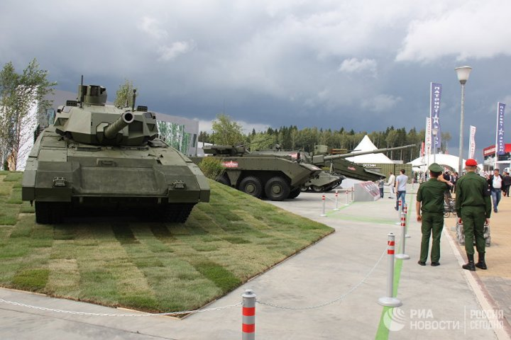 RUSIA ÎȘI PREZINTĂ FORȚA. La Moscova s-a deschis o expoziție militară de amploare (FOTO)
