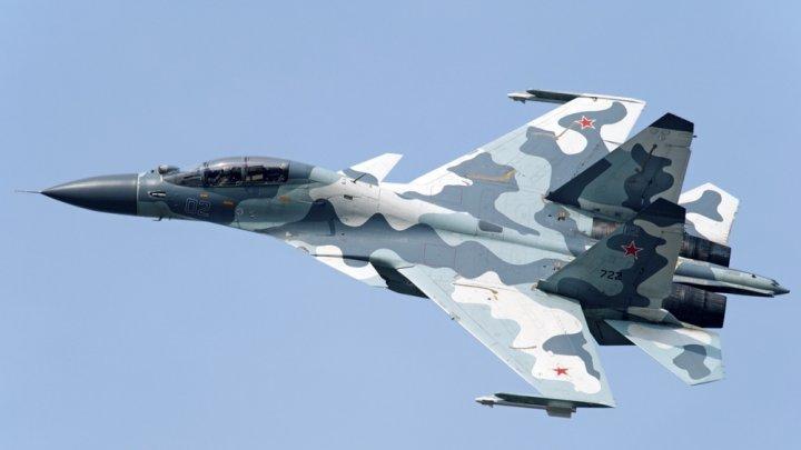 Două avioane rusești tip Su-30 Flanker au fost interceptate deasupra Mării Negre