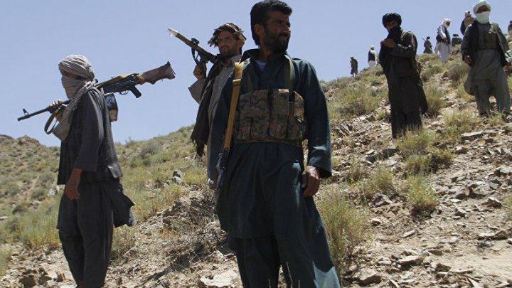 ATAC ÎN AFGANISTAN. Cel puţin 18 soldaţi au fost ucişi şi alţi 20 luaţi ostatici