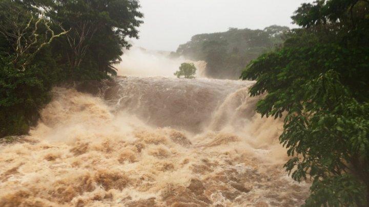 Uraganul Lane face ravagii în Hawaii: Rafale de vânt de 200 km/h, inundaţii şi alunecări de teren