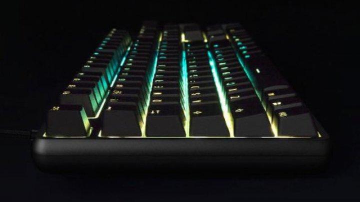 Xiaomi lansează prima tastatură de gaming