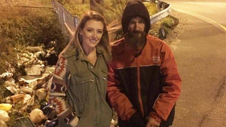 RĂSTURNARE DE SITUAȚIE! Omul străzii pentru care s-au donat 400.000 de dolari spune că nu a primit banii de la cuplul care i-a strâns pe GoFundMe