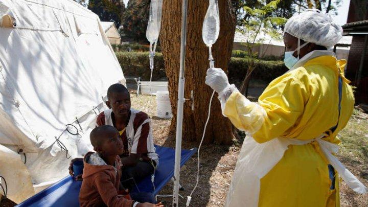 Focar de holeră în Zimbabwe. Autorităţile estimează că epidemia ar putea afecta 50.000 de persoane