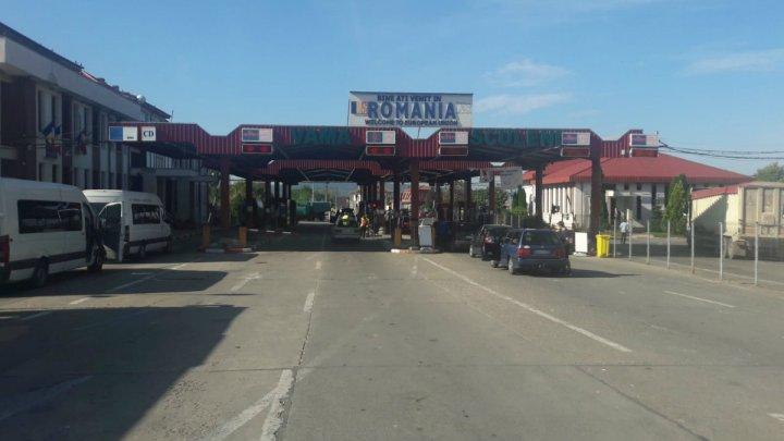 Doi şoferi moldoveni au încercat să treacă frontiera română cu permise de conducere false