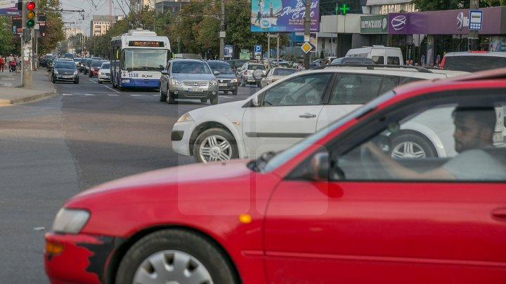 Transportul public a fost blocat în cartierul Telecentru din cauza unei erori provocată de şoferul unui troleibuz