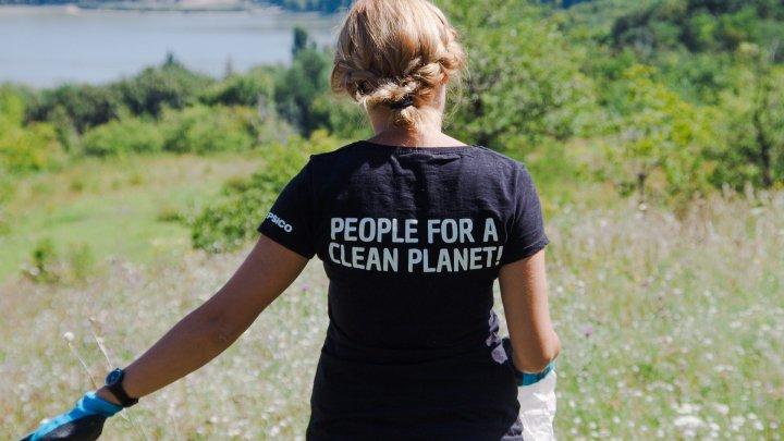 Ziua Globală a Curăţeniei: Oamenii din întreaga ţară, îndemnaţi să participe activ la acţiune