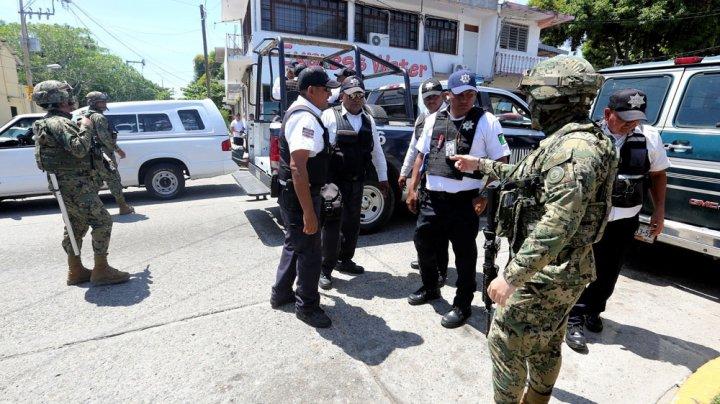 Celebrul oraş mexican Acapulco a rămas peste noapte fără poliţie. Care este motivul