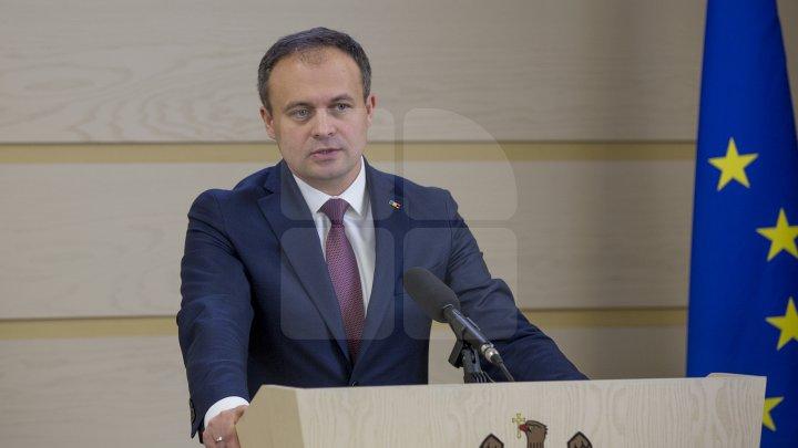 Andrian Candu, referitor la cazul celor şapte cetăţeni turci, expulzaţi: Trebuie să avem încredere în instituţiile noastre