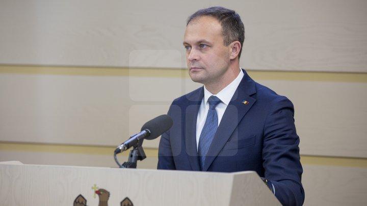 Candu îi răspunde lui Ţap: Este Constituţia Republicii Moldova. Şi propunerile care sunt, sunt făcute pentru ţară şi pentru Constituţie