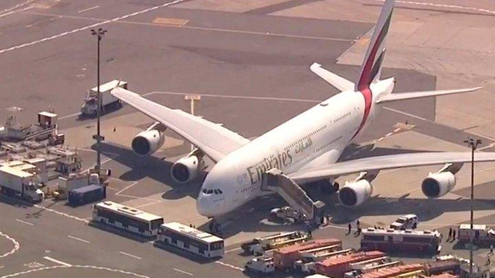 Un incident straniu la bordul unui avion: 19 persoane s-au îmbolnăvit în timpul zborului