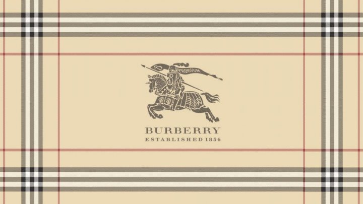 DECIZIE NEAŞTEPTATĂ luată de casa de modă de lux Burberry. Ce se va întâmpla cu produsele nevândute