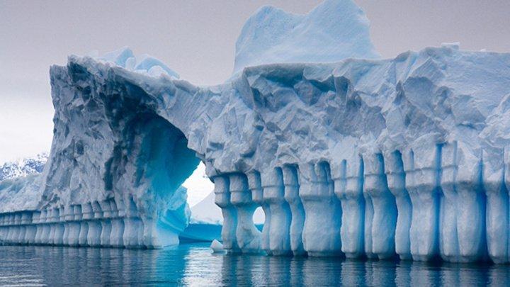 Studiu: O încălzire moderată a climei ar continua să ameninţe calota glaciară din Antarctica de Est
