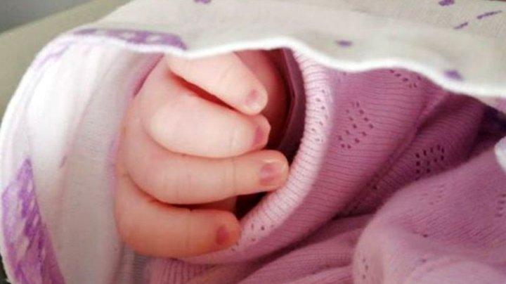 Afacere neobişnuită. O mamă și-a vândut copilul nou-născut pentru 38 de euro