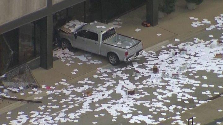 Bărbat arestat în Dallas după ce a încercat să distrugă sediul unei importante televiziuni