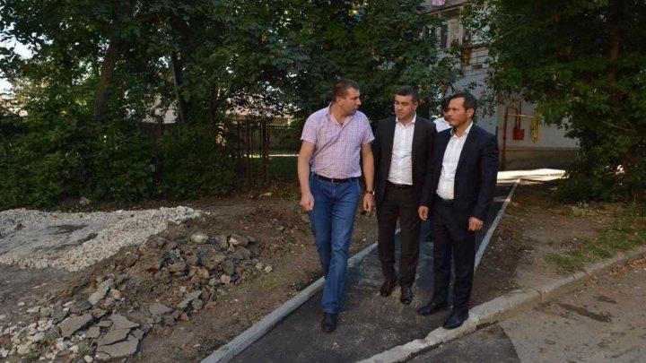 Ruslan Codreanu a inspectat lucrările de reparație a străzii Schinoasa din Capitală