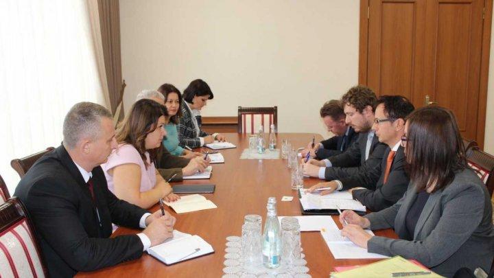 Cristina Lesnic a avut o întrevedere cu noul Șef al Misunii OSCE din Moldova Claus Neukirch