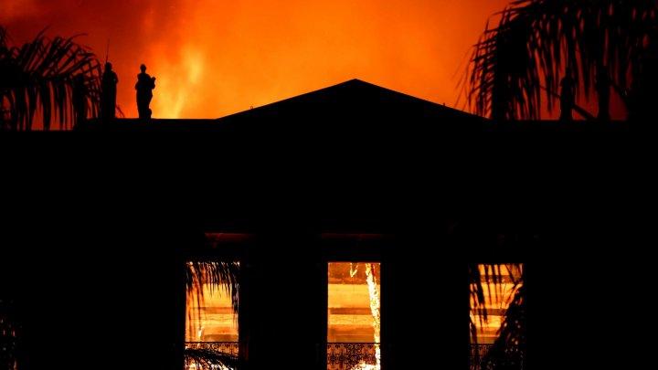 Franţa se oferă să sprijine restaurarea Muzeului Naţional din Rio de Janeiro