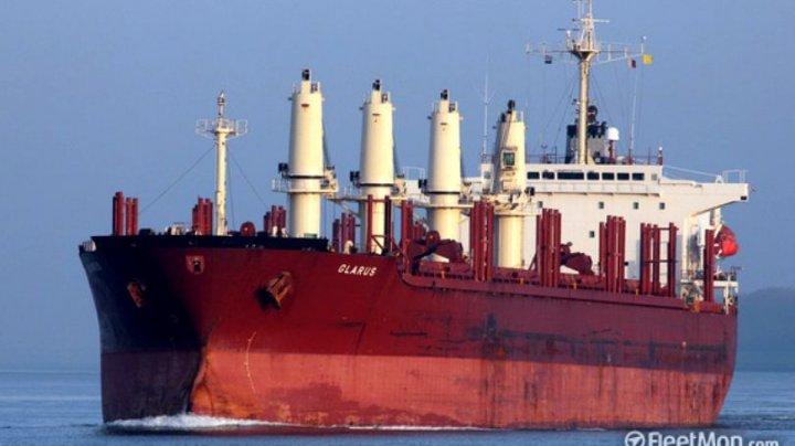 Un român se numără printre MARINARII RĂPIŢI DE PIRAŢI în Nigeria, pe o navă elvețiană