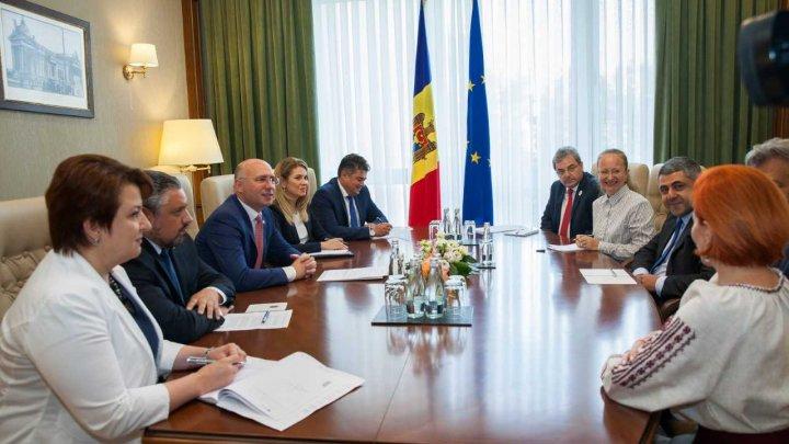 Pavel Filip, la discuţii cu Zurab Pololikashvili: Dorim să promovăm Moldova ca o țară atractivă pentru investiții și turism