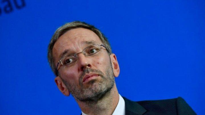 Austria intenţionează să menţină controalele la graniţă