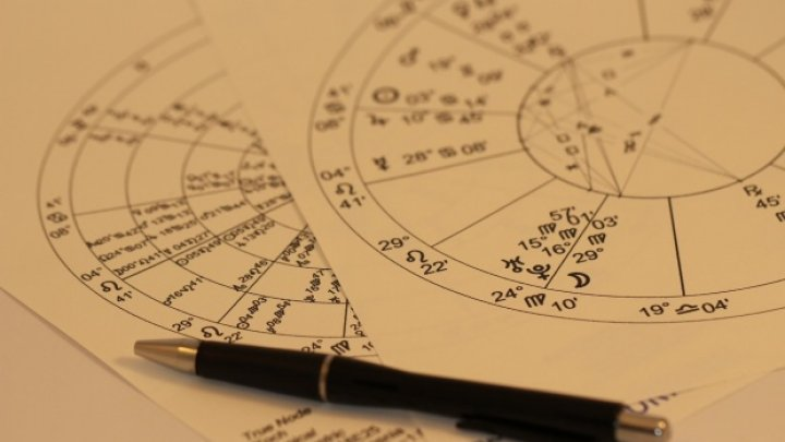 Horoscop noiembrie 2018: Zodiile care vor avea o lună minunată