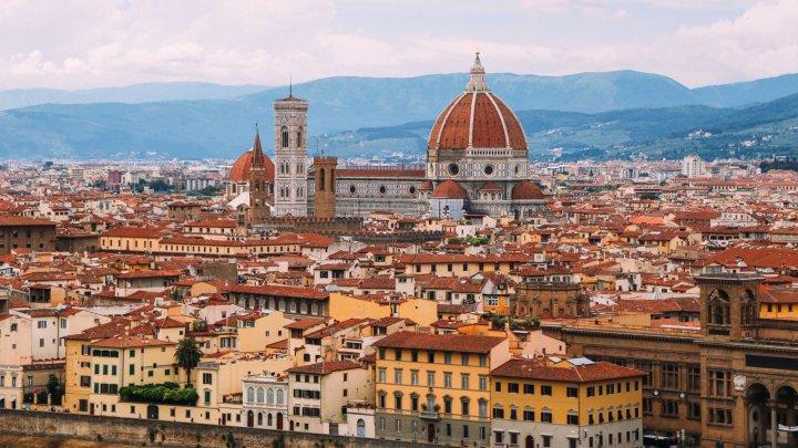 Rişti să plăteşti amendă de 500 de euro dacă faci acest lucru pe străzile din Florenţa