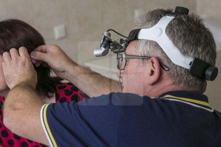 Campania UN DOCTOR PENTRU TINE: Peste 100 de localnici din Gribova au fost examinaţi de medici (FOTOREPORT)