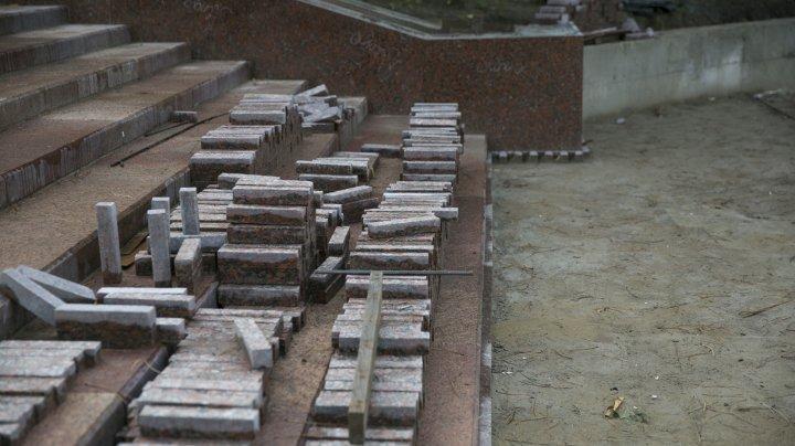 Cum arată CELE OPT trepte de granit pe care Primăria le-a realizat pâna acum în parcul Valea Morilor (FOTOREPORT)