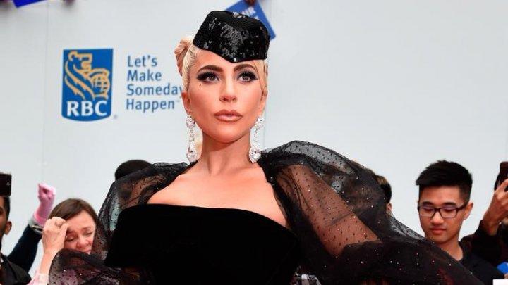 Superstarul pop şi nominalizată la premiul Oscar, Lady Gaga, s-a despărţit de logodnicul ei