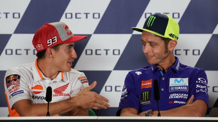 Marc Marquez şi Valentino Rossi, moment jenant la conferinţă de presă înaintea Marelui Premiu al San Marino