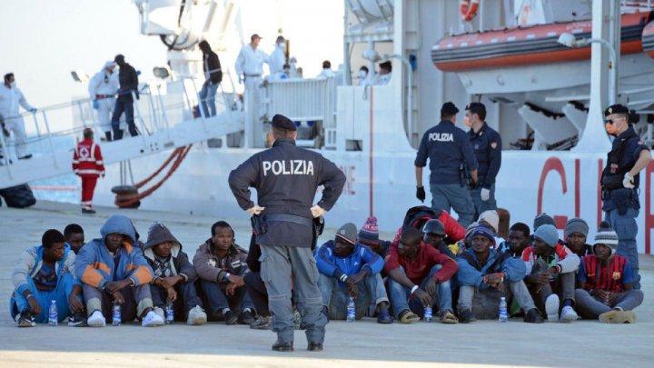 Guvernul Italiei a adoptat o serie de măsuri mai dure împotriva imigraţiei