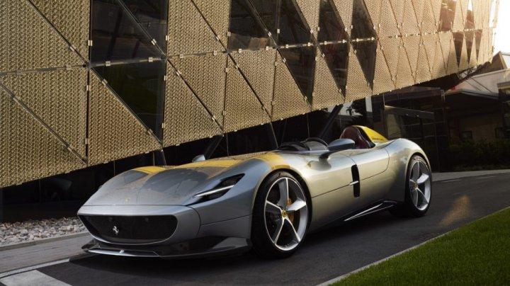 Ferrari a lansat cel mai puternic supercar din istoria companiei (VIDEO)