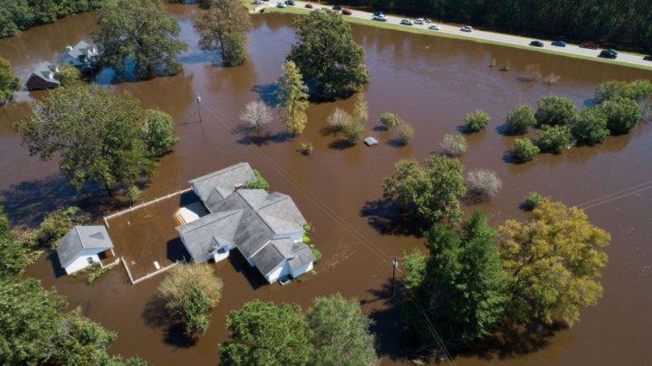 Donald Trump va vizita Carolina de Nord, afectat de inundaţii majore în urma uraganului Florence