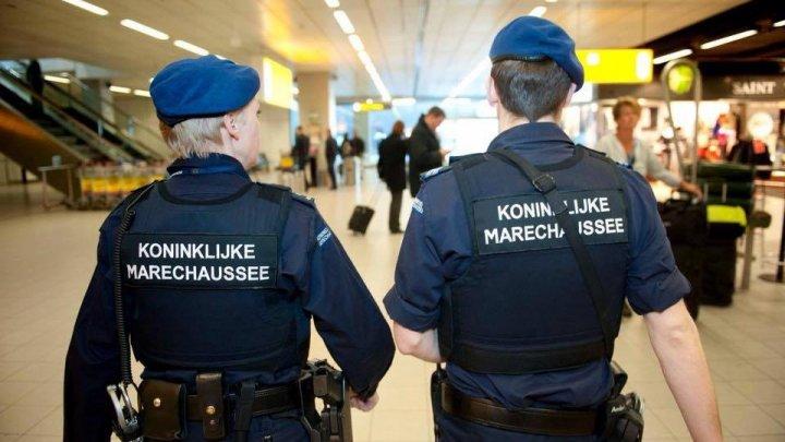Doi agenţi ruşi, reţinuţi în Olanda. Au spionat laboratorul unde se efectua analiza agentului neurotoxic Noviciok