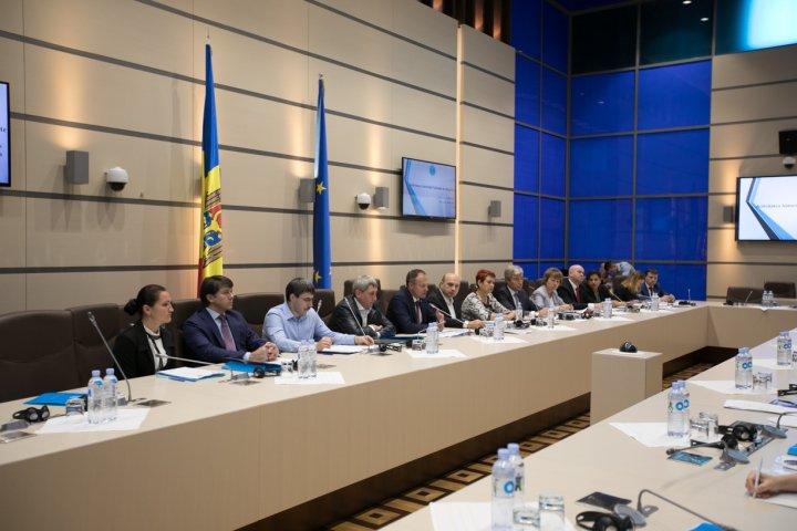 Progresul în implementarea pachetului de integritate, examinat la Parlament