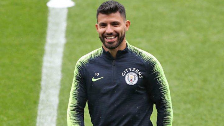 Atacantul argentinian Sergio Aguero şi-a prelungit contractul cu Manchester City