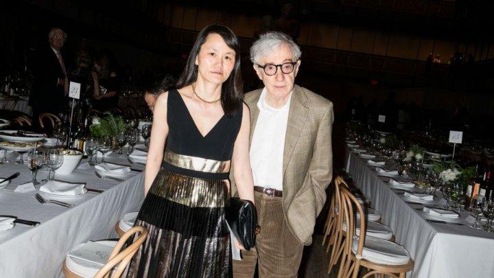 Soţia lui Woody Allen o acuză pe Mia Farrow a supus-o la abuzuri fizice şi psihice în copilărie