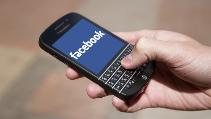Facebook cheamă BlackBerry în judecată pentru utilizarea de tehnologie fără licenţă