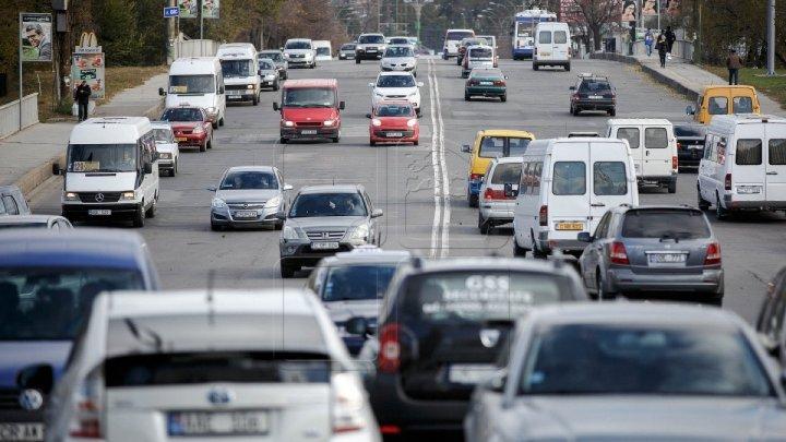 Flux majorat de transport în Capitală. Cum se circulă