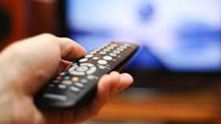 O celebră vedetă tv, concediată în urma unui scandal sexual