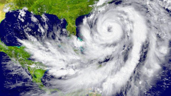 Coasta de sud a Statelor Unite se pregăteşte pentru uraganul Gordon. Guvernatorul statului Louisiana a declarat stare de urgenţă