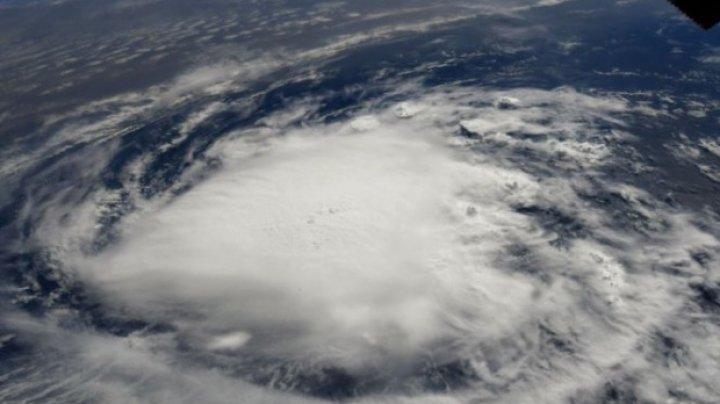 """Uraganul Florence lovește SUA. Donald Trump: """"Ar putea fi cea mai putenică furtună văzută vreodată. Fugiţi din calea ei"""""""