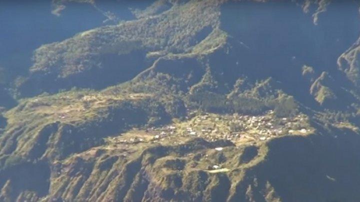 Nu au apă nici lumină, iar medicul sau poliţistul este adus cu elicopterul. Care este cea mai izolată localitate din lume (VIDEO)