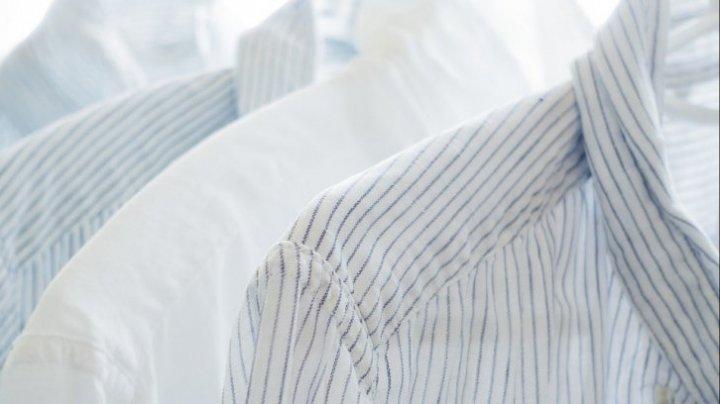 Cel mai ieftin detergent de haine, de care sigur nu știai. Îi ai deja în bucătărie