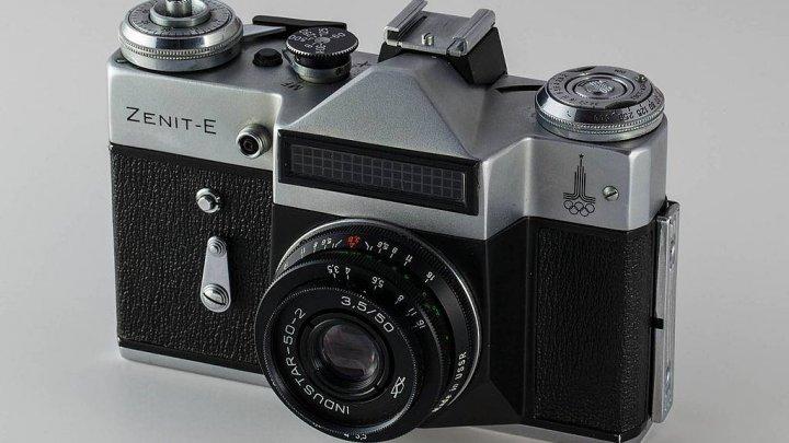 Celebrul brandul rusesc de camere foto, ZENIT se întoarce pe piaţă