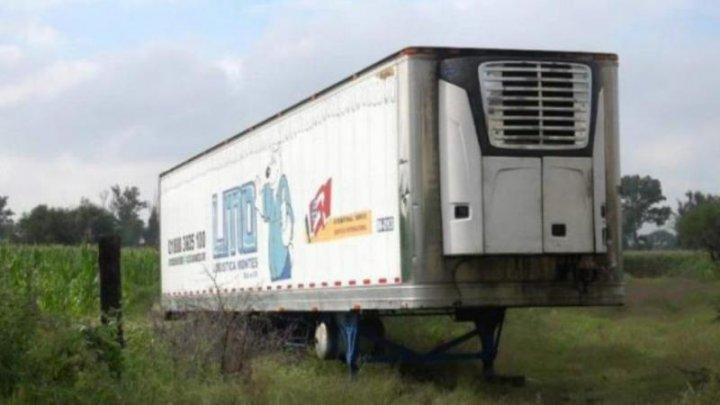 LOCALNICII SUNT ÎNGROZIȚI! Scandal din cauza unui camion folosit pe post de morgă cu 300 de cadavre la bord