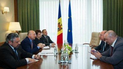 Premierul Pavel Filip a avut o întrevedere cu ambasadorul Federației Ruse la Chișinău, Oleg Vasnețov